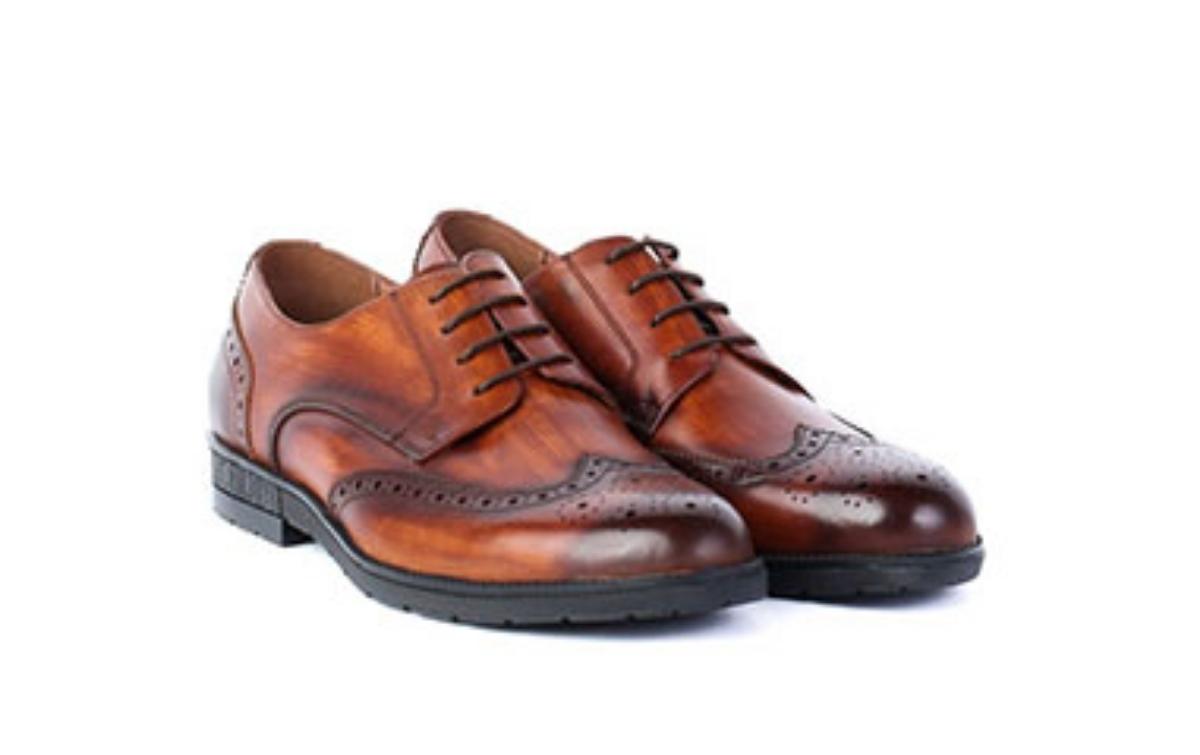 Îngrijirea corectă a pantofilor din piele: Cum prelungești durata de viață a încălțămintei?