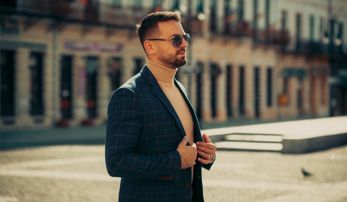 Ghidul util al bărbaților rafinați pe timp de iarnă: Cum trebuie să te îmbraci la un eveniment în sezonul răcoros?