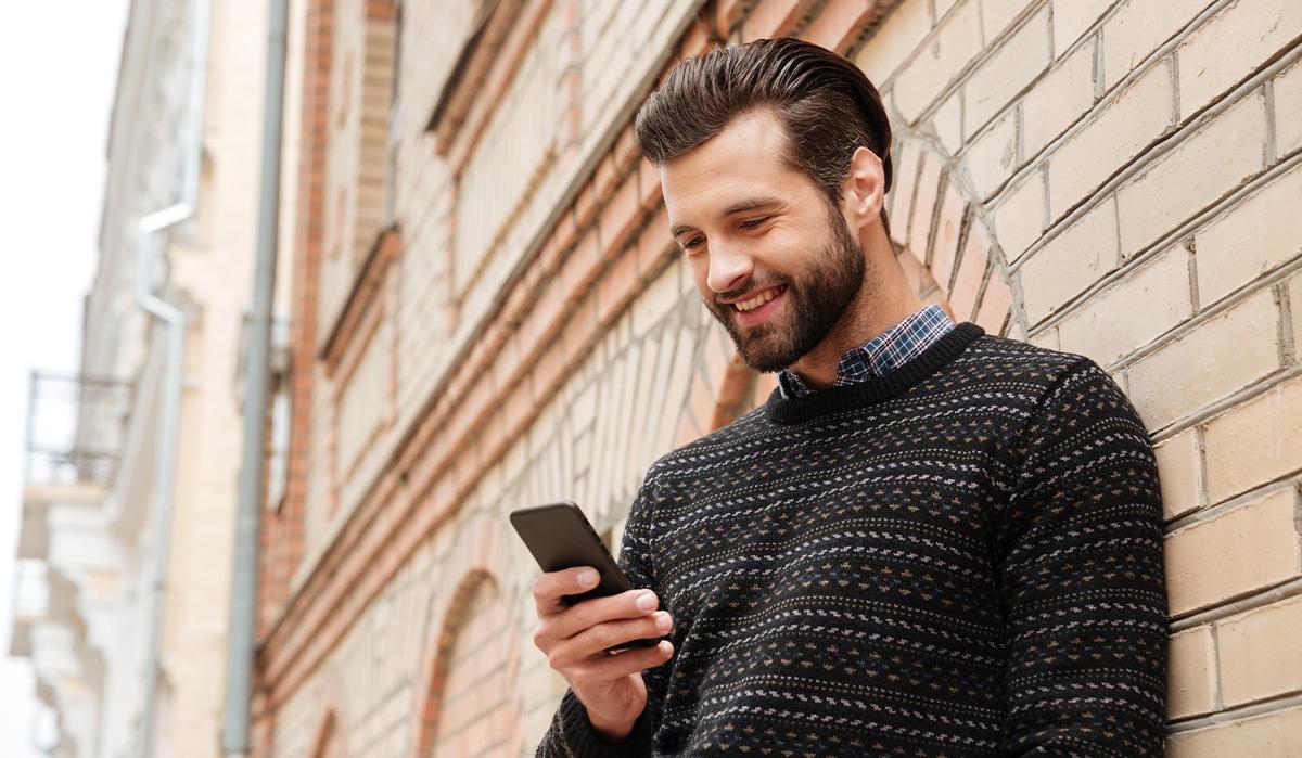TOP  3 pulovere bărbătești indispensabile în această toamnă