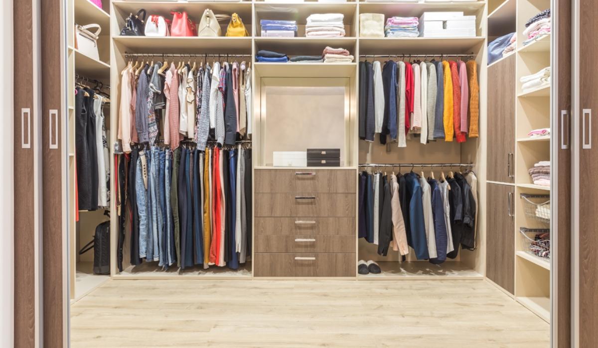 Idei pentru organizarea inteligentă a garderobei de toamnă